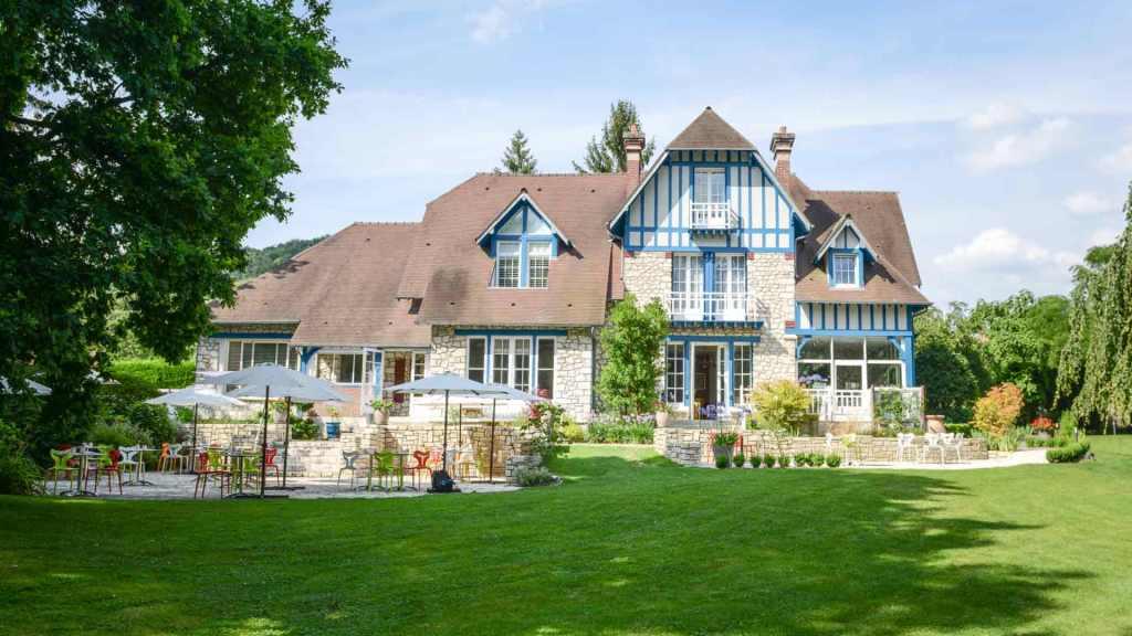 le_jardin_de_plumes_hotel_restaurant_giverny_vue_jardin_terrasse