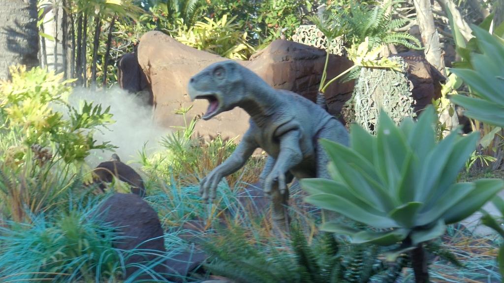 USH-_Jurassic_Park_River_Adventure_Ride_3