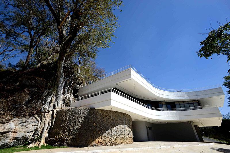 museu-gruta-maquine-gil-leonardi